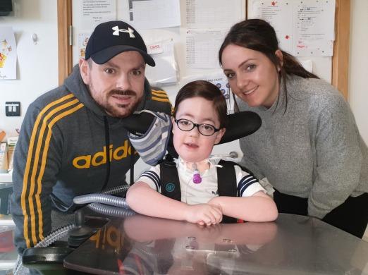 Hari with dad Michael and mum Ellen.